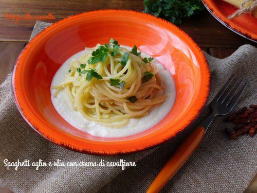 Spaghetti aglio e olio con crema di cavolfiore