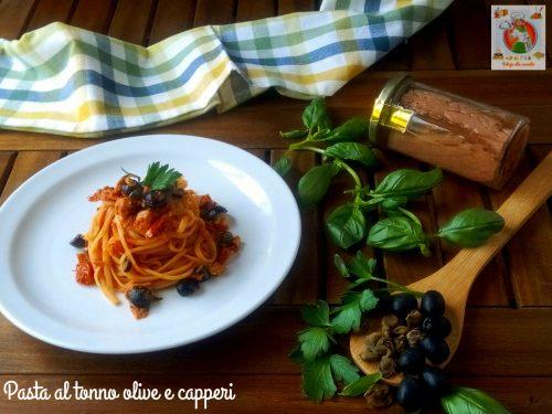 Pasta al tonno olive e capperi