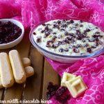 Tiramisù con mirtilli e cioccolato bianco