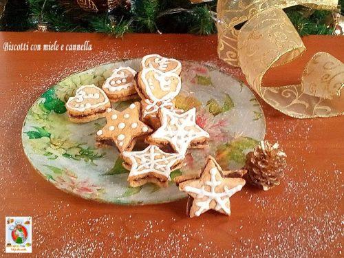 Biscotti con miele e cannella