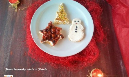 Mini cheesecake salate di Natale