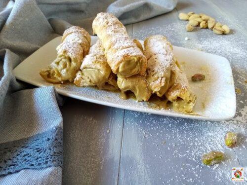 Cannoncini con crema di pistacchi