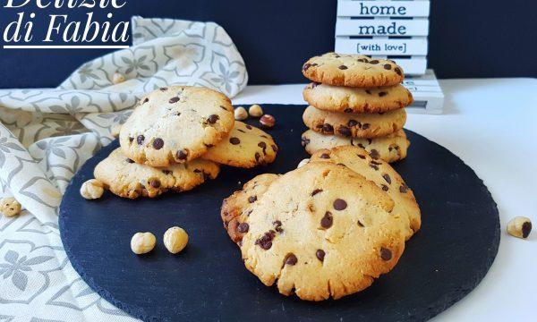 Cookies alla nocciola e cioccolato