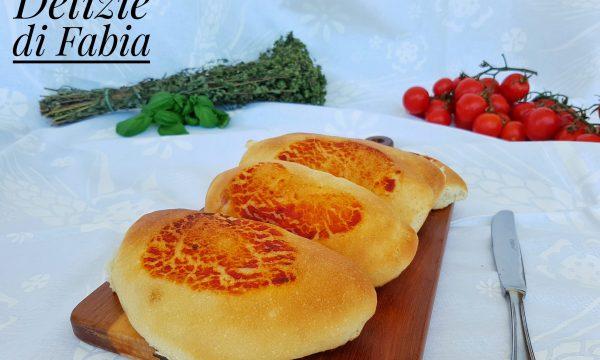 Calzoni al forno al pomodoro-ricetta infallibile
