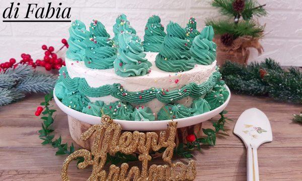 Torta di Natale decorata con alberelli
