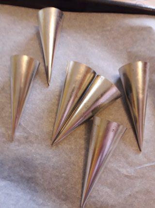 Coni di metallo