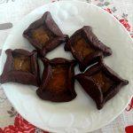 Biscotti al cacao con confettura