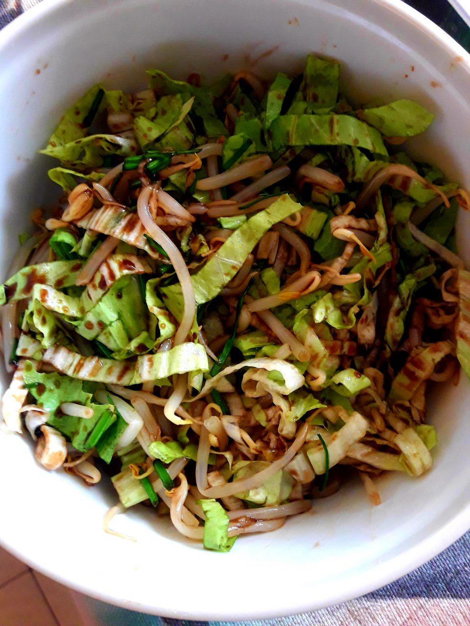 Insalata con germogli di soia