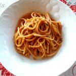 Spaghetti con pesto di peperoni
