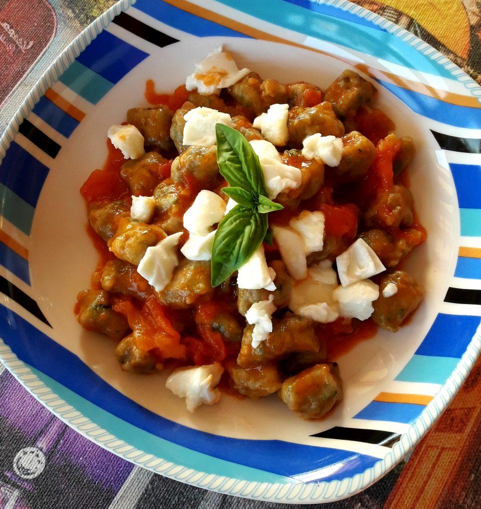 Gnocchetti di melanzane con pomodoro e mozzarella