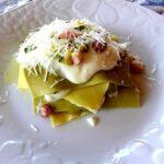 Lasagne scomposte con pancetta, zucchine e crema al pecorino