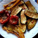 Peperoni e zucchine gratinati al forno