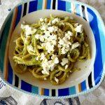 Spaghettoni con crema di zucchine e feta