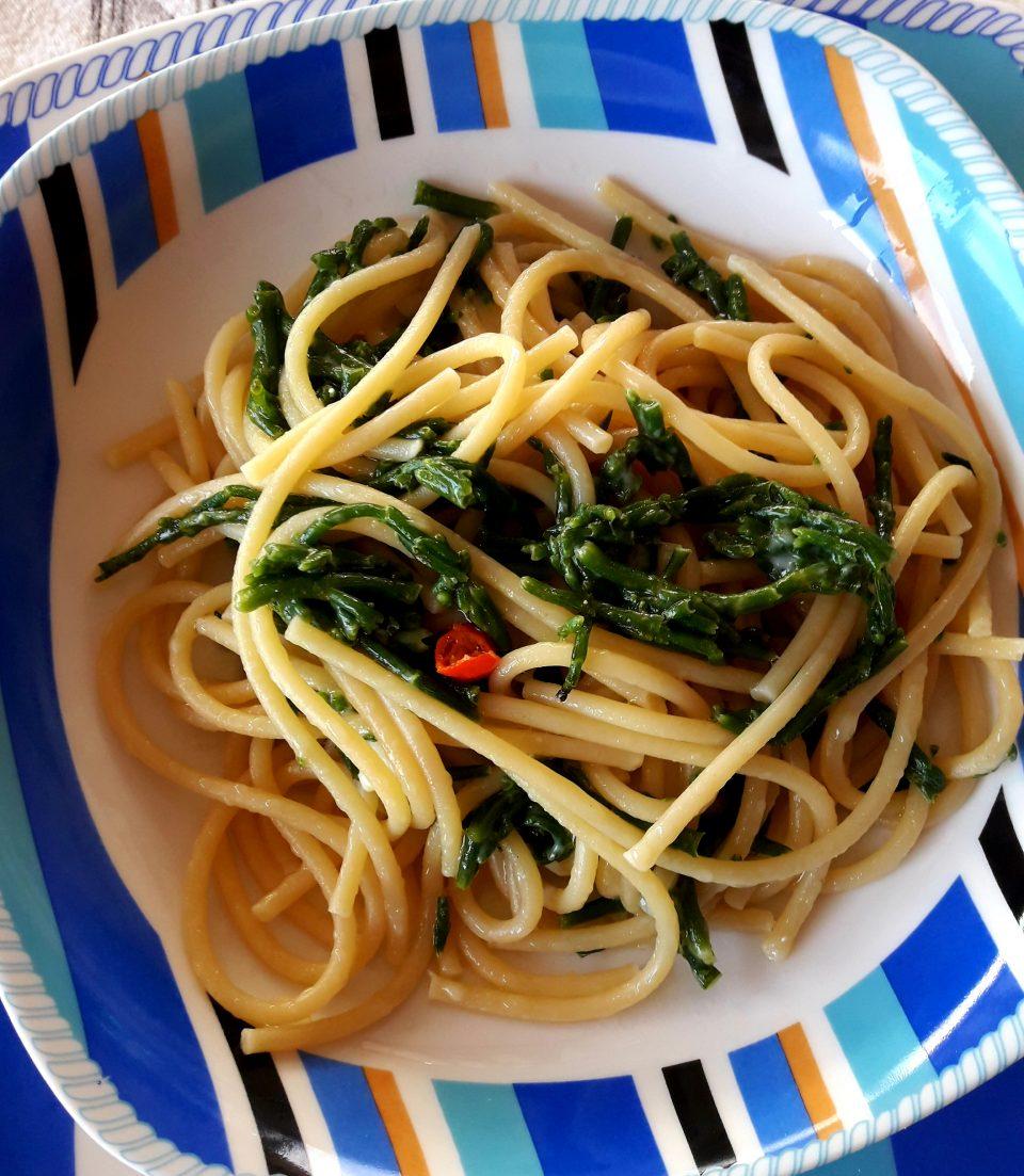 Spaghettoni con asparagi di mare