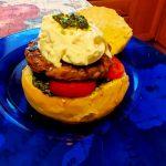 Hamburger con burrata e pesto