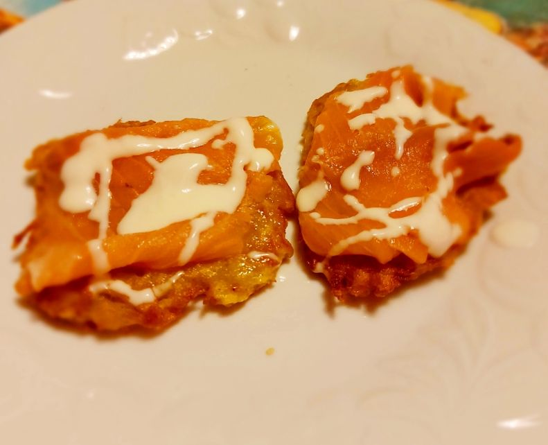 Kartoffelpuffer con salmone