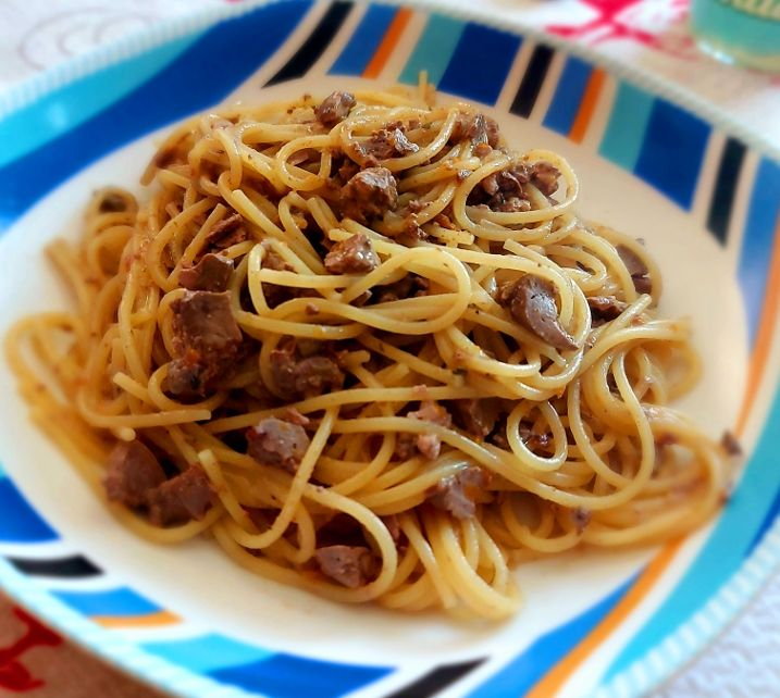 Spaghettini con ragù di fegatini