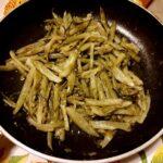 Puntarelle scottate con aglio e acciughe
