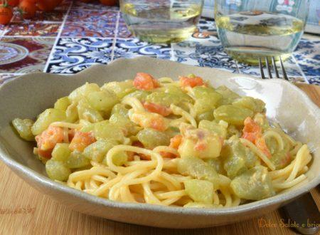 Pasta con la zucchina lunga