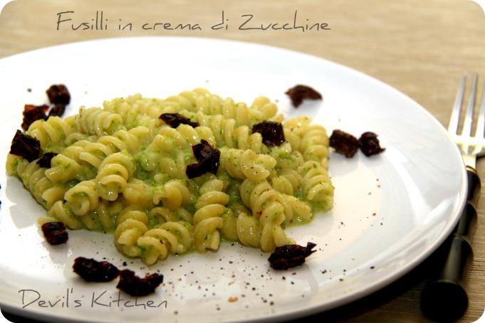 Fusilli in crema di Zucchine e pomodorini secchi