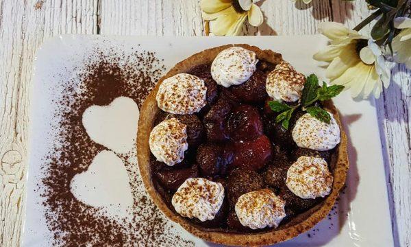 Crostatina leggera alle ciliegie e cannella