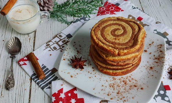 Cinnamon roll pancake con miele
