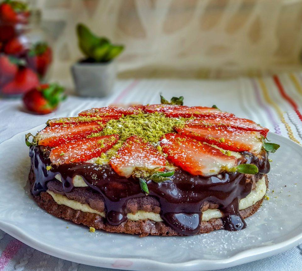 Torta light fragole e pistacchio