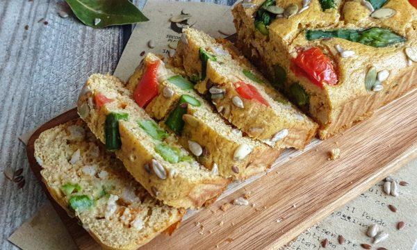 Plumcake integrale con asparagi e semi