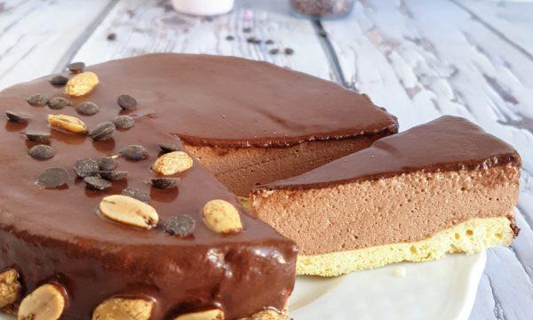 Torta mousse al cioccolato fondente: ricetta light