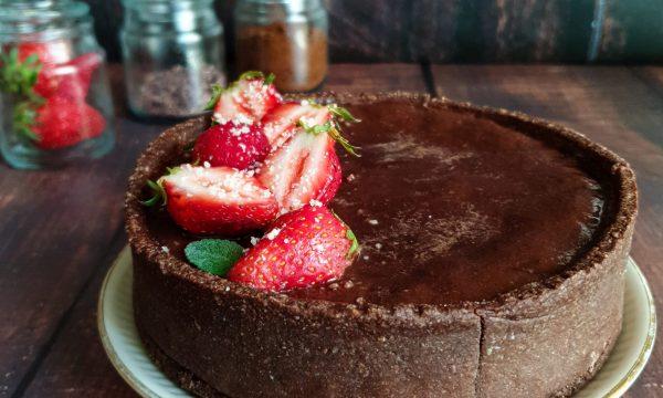 Crostata fragole e cacao: ricetta light con avena