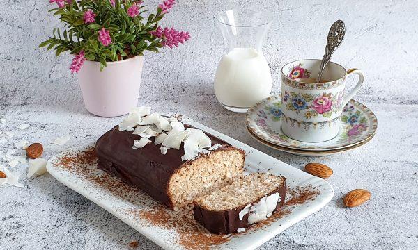 Plumcake al cocco e mandorle: ricetta molto facile