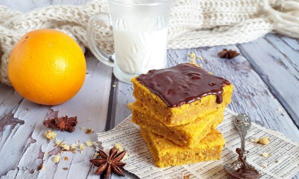 Torta di zucca e arancia con farina di mais
