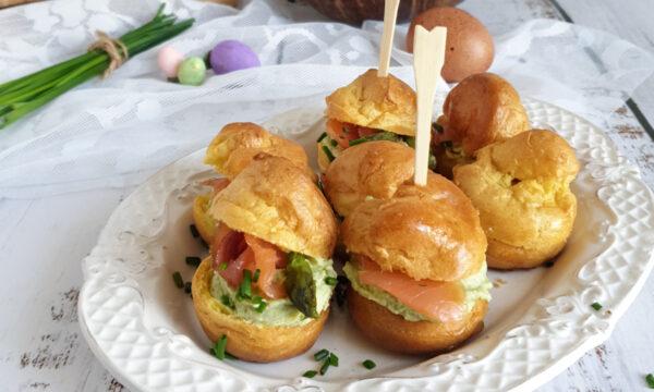 Bignè salati senza glutine con asparagi e salmone