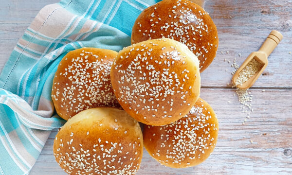 Burger buns – panini per hamburger fatti in casa