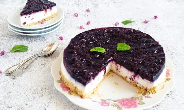 Cheesecake ai mirtilli senza cottura: ricetta light