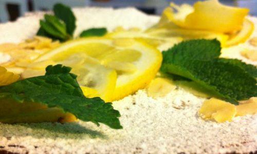 Torta morbida al limone e mandorle
