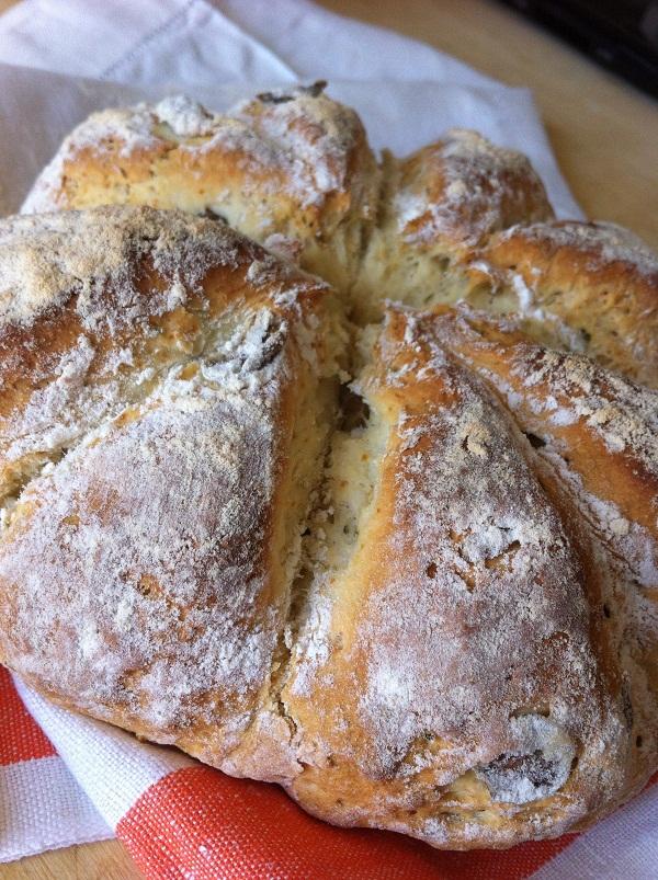 pane rosmarino e olive