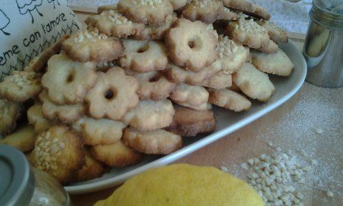 Canestrelli integrali,al limone e mandorle