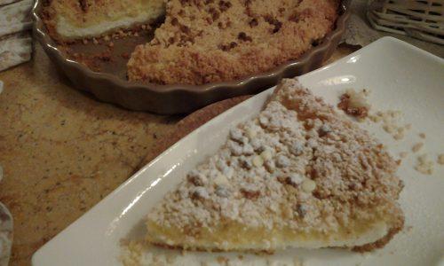 Torta sbriciolata con ricotta e crema al limone e mandorle