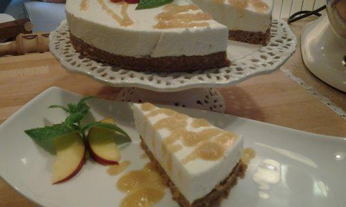 Cheesecake freddo al cioccolato bianco e pesca noce