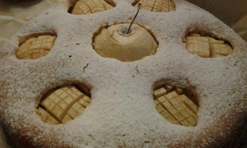 Torta di mele in gabbia