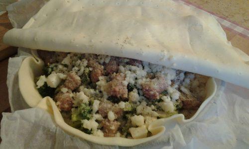 Torta rustica broccoli,patate,salsiccia e taleggio