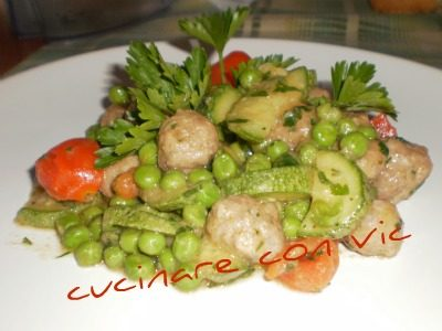 Polpettine con zucchine e piselli