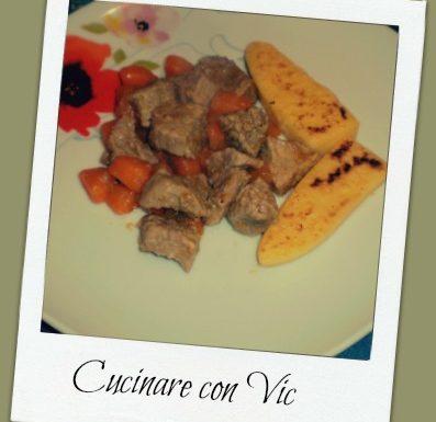 Bocconcini di vitello con carote in padella