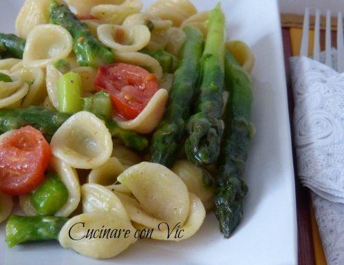 Orecchiette con asparagi