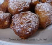 Frittelle di carnevale con esubero di Lievito Madre e mele