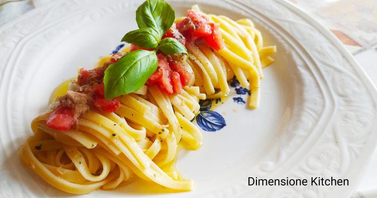 Linguine tonno e pomodorini: ricetta a crudo super veloce
