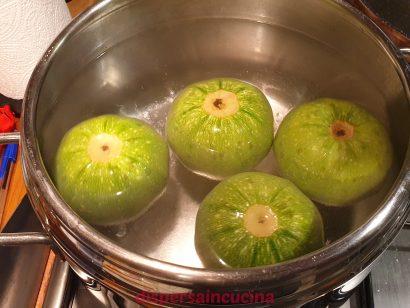 Facciamo bollire le zucchine
