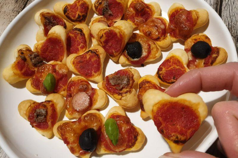 Pizzette cuori di pasta sfoglia