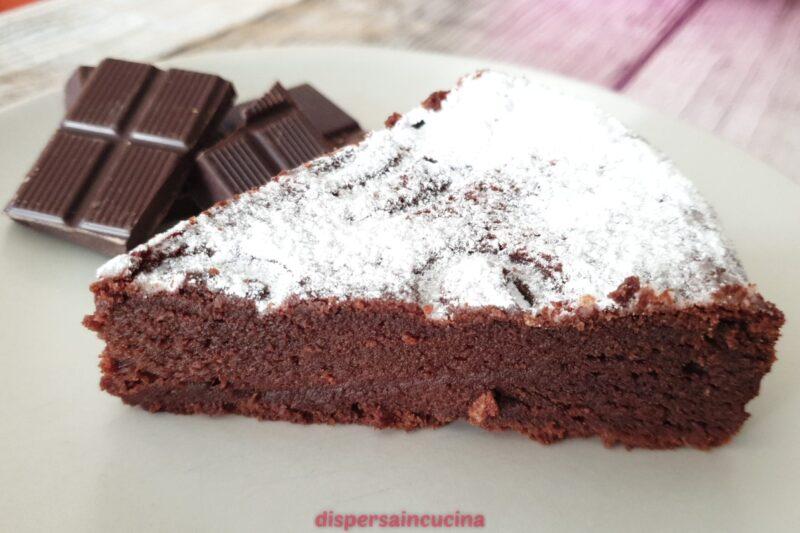 Torta super cioccolatosa senza lievito